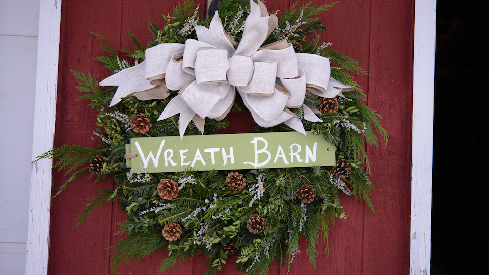 wreath barn sign slider